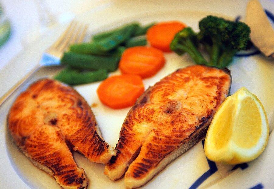 خوردن ماهی ریسک ابتلا به آسم را تا 70 درصد کاهش می دهد