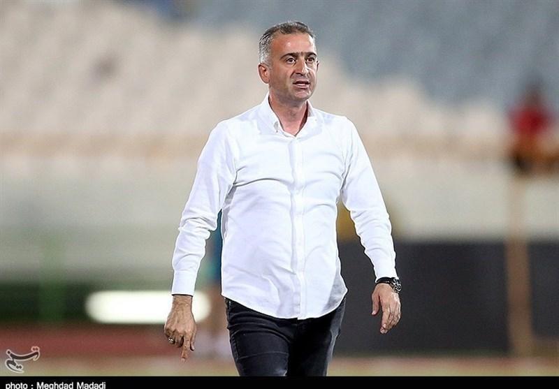 بوشهر، کمالوند: قصد داریم به 8-7 بازیکن استراحت دهیم، ترجیح می دهم در جم تمرین کنیم تا تهران